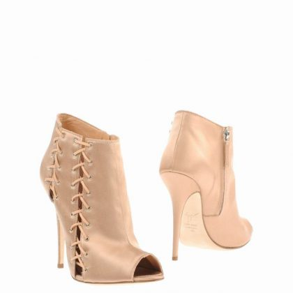 giuseppe-zanotti-design--ankle-boots-product-1-18830390-0-029800146-normal_1