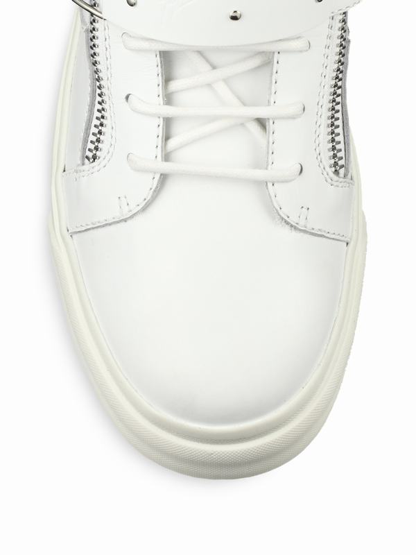 giuseppe-zanotti-white-ski-boot-buckled-leather-sneakers-product-1-27315332-1-580077320-normal_1